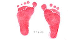 おなかのフォトブックの手形・足形なども入れられるイメージを掲載しております。